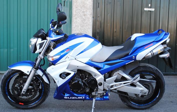 Personalizaciones y réplicas: Servicios de Moto 2000