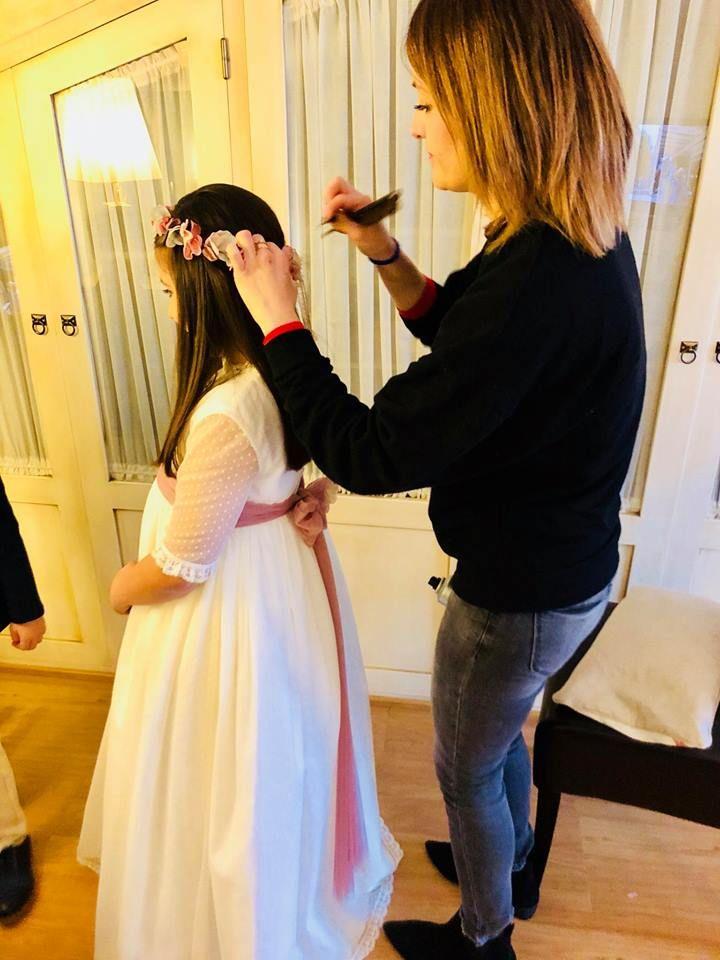 Especialistas en peinados para comuniones en Granada