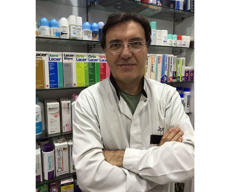 Farmacia Olivella: Jorge