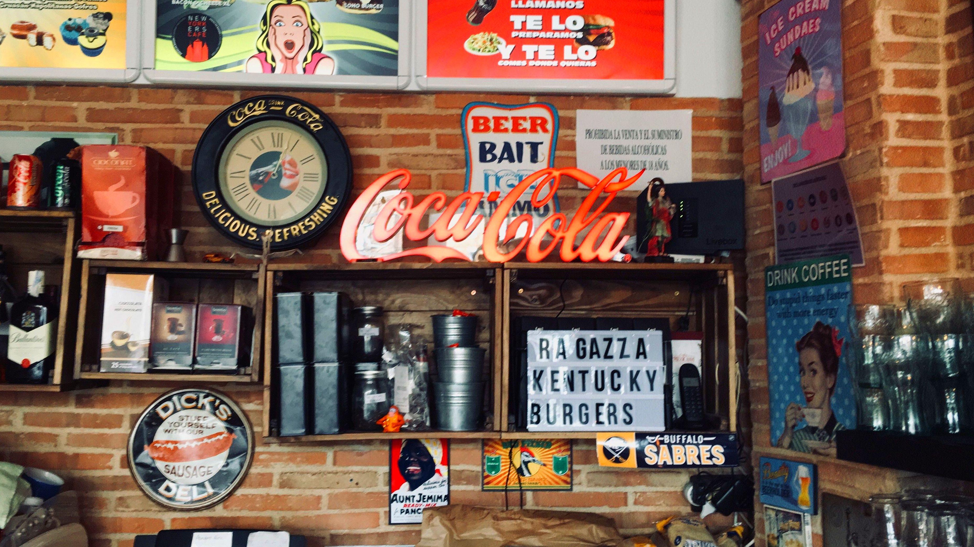 Foto 2 de Restaurante especializado en cocina americana en Las Rozas | Newyorkers Café