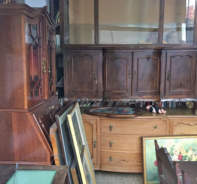 Muebles antiguos en Oportunidades El Porvenir, Bilbao