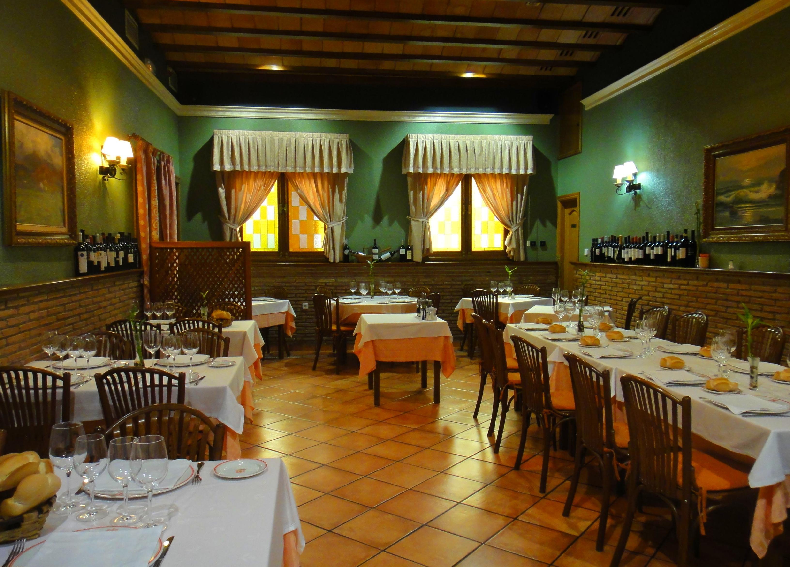 Foto 8 de Cocina mediterránea en Madrid | El Asador de Orgaz