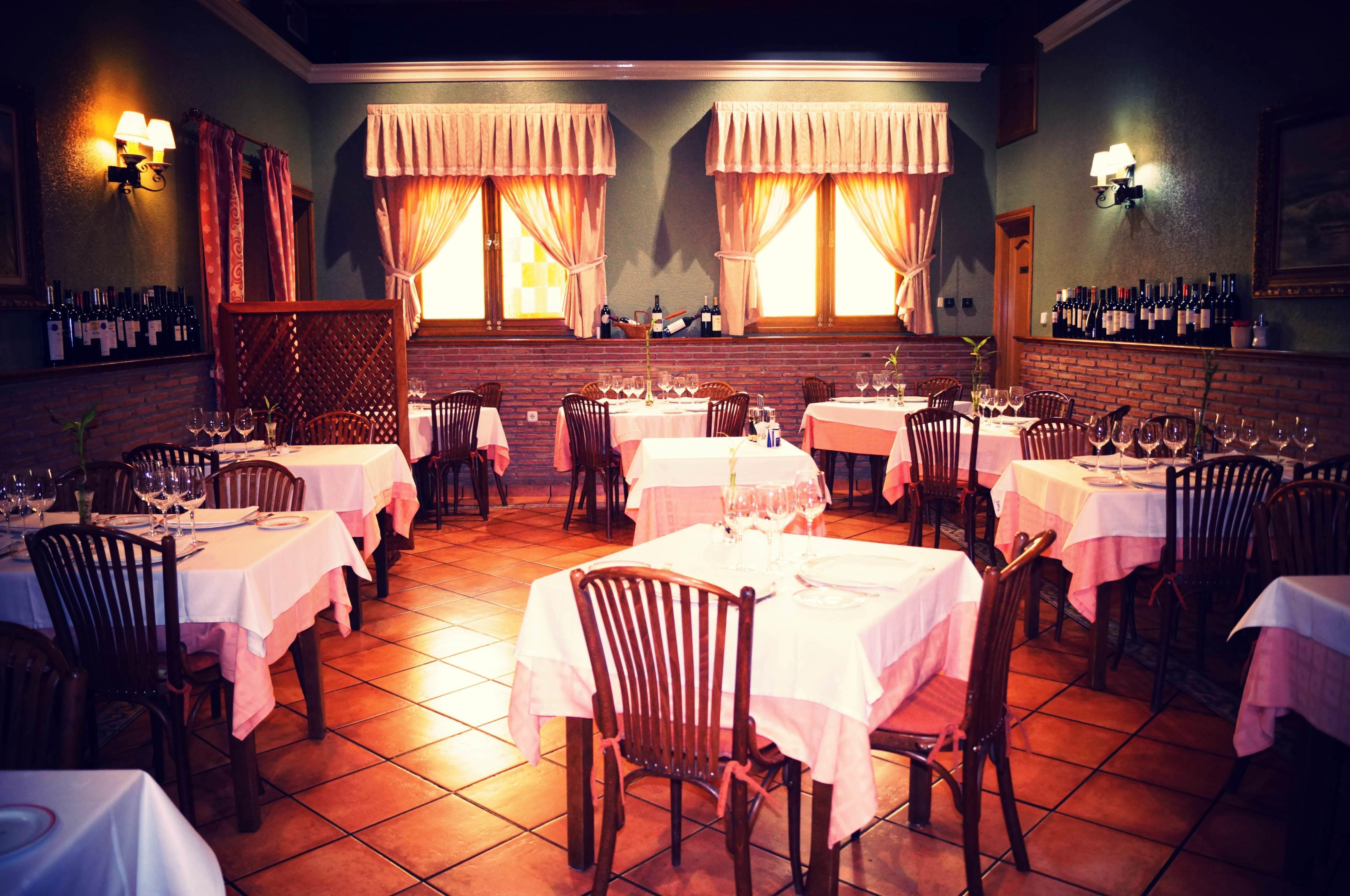 Foto 2 de Cocina mediterránea en Madrid | El Asador de Orgaz