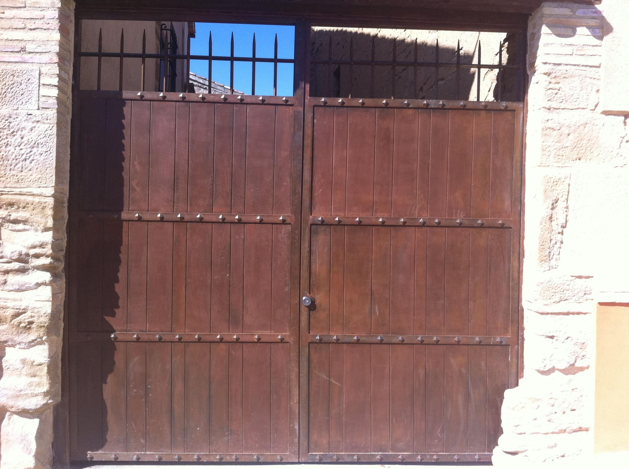 Puertas caserón