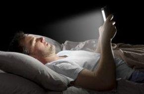 Usal el móvil o la Tablet de noche es malo para dormir: Catálogo de Visual Tegueste Ópticos