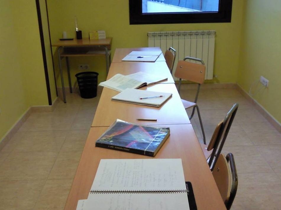 Aula de refuerzo para Matemáticas, Física, Química...