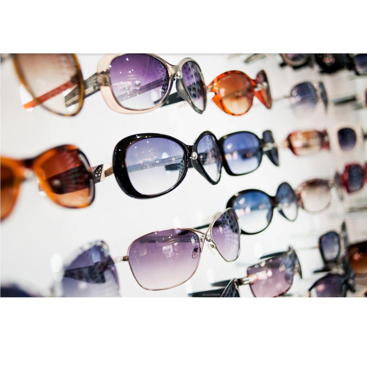 Gafas de sol: Productos y servicios de Centro Óptico El Henar