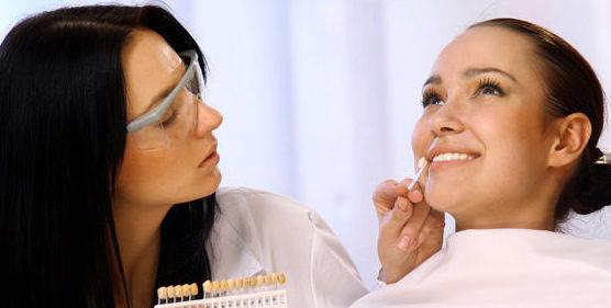 Estética dental: Especialidades de Clínica Dental Castellbisbal