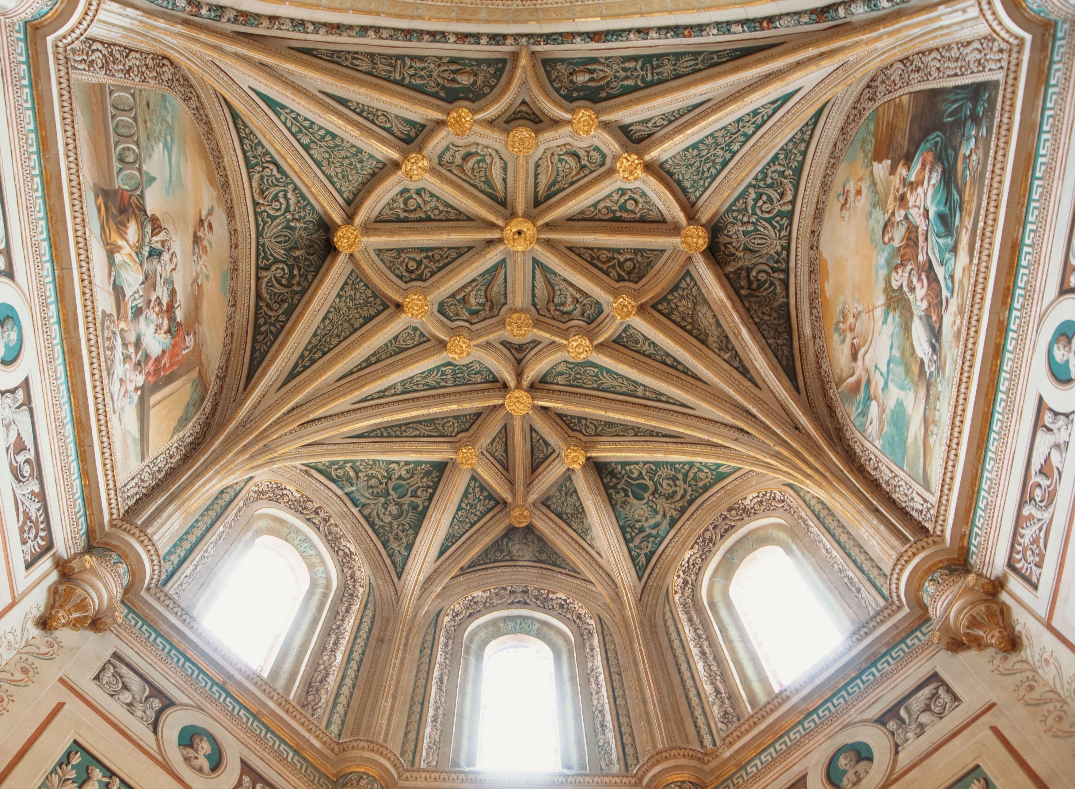 Visita las catedrales más maravillosas de España en Madrid