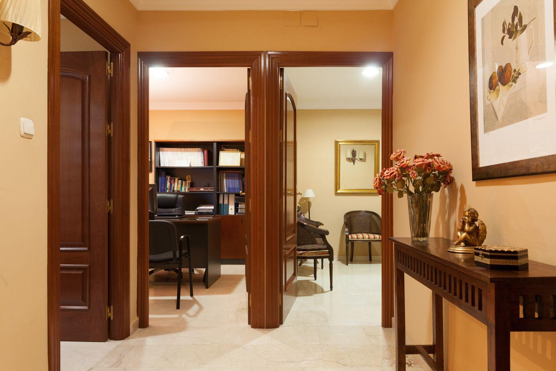 Salas del interior del despacho de abogados