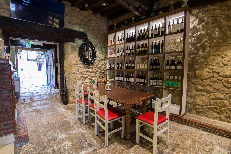 Vinoteca Restaurante El Cantón