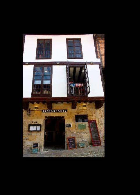 Foto 42 de Restaurante de comida mediterránea en Santillana del Mar | Restaurante El Cantón