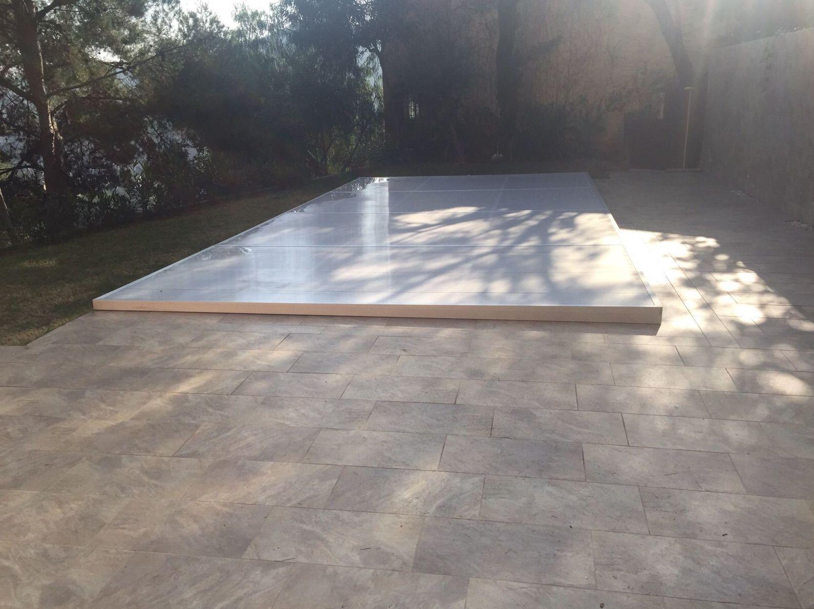 Tapa de piscina de aluminio y policarbonato