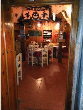 Comedor interior del El Refugio de Oria