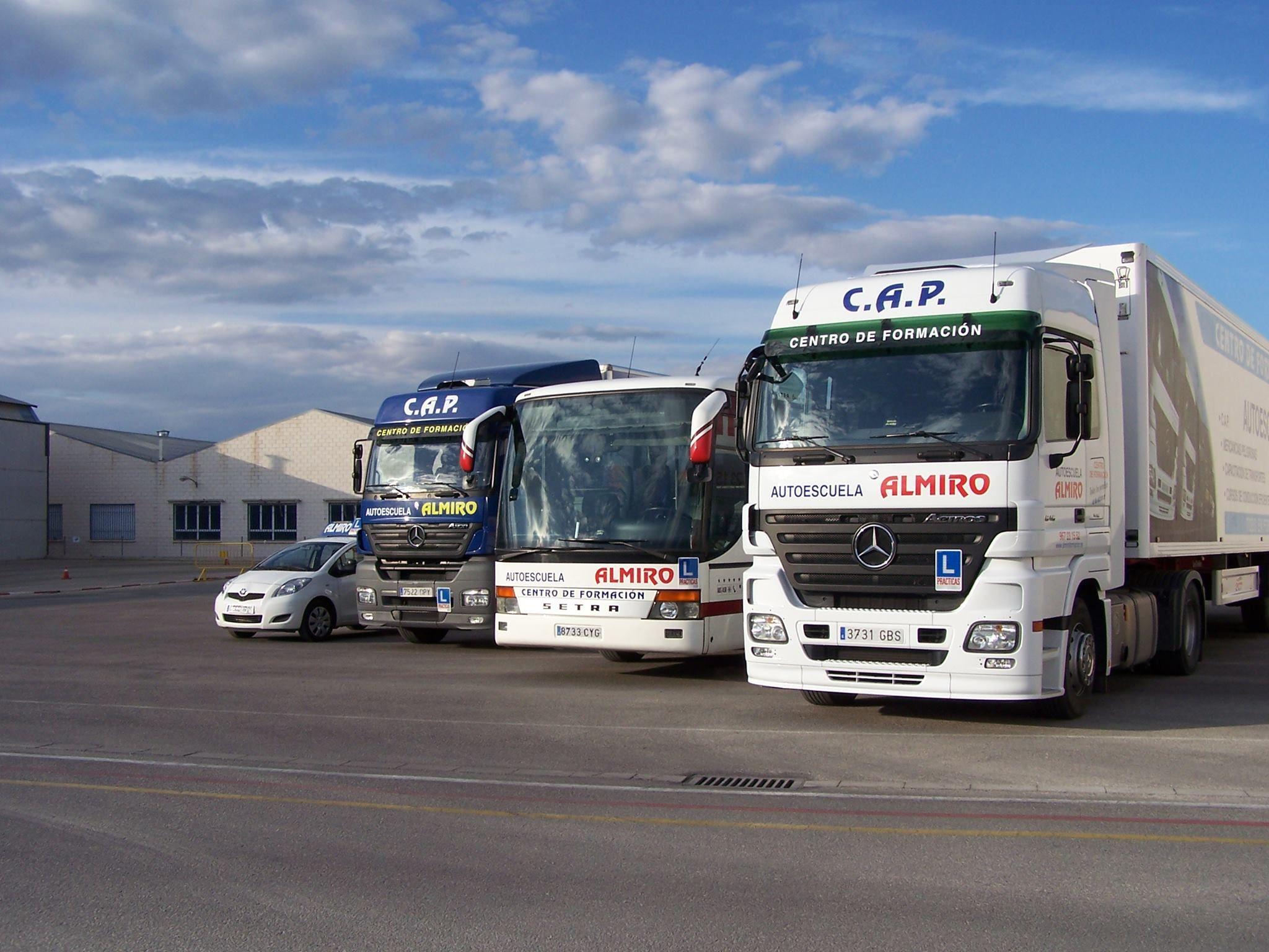 Transporte de mercancías peligrosas: Servicios de Autoescuela Almiro