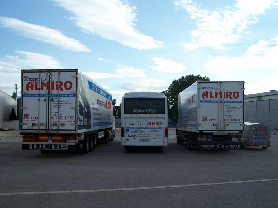 Consejero de Seguridad en el transporte de mercancías peligrosas: Servicios de Autoescuela Almiro