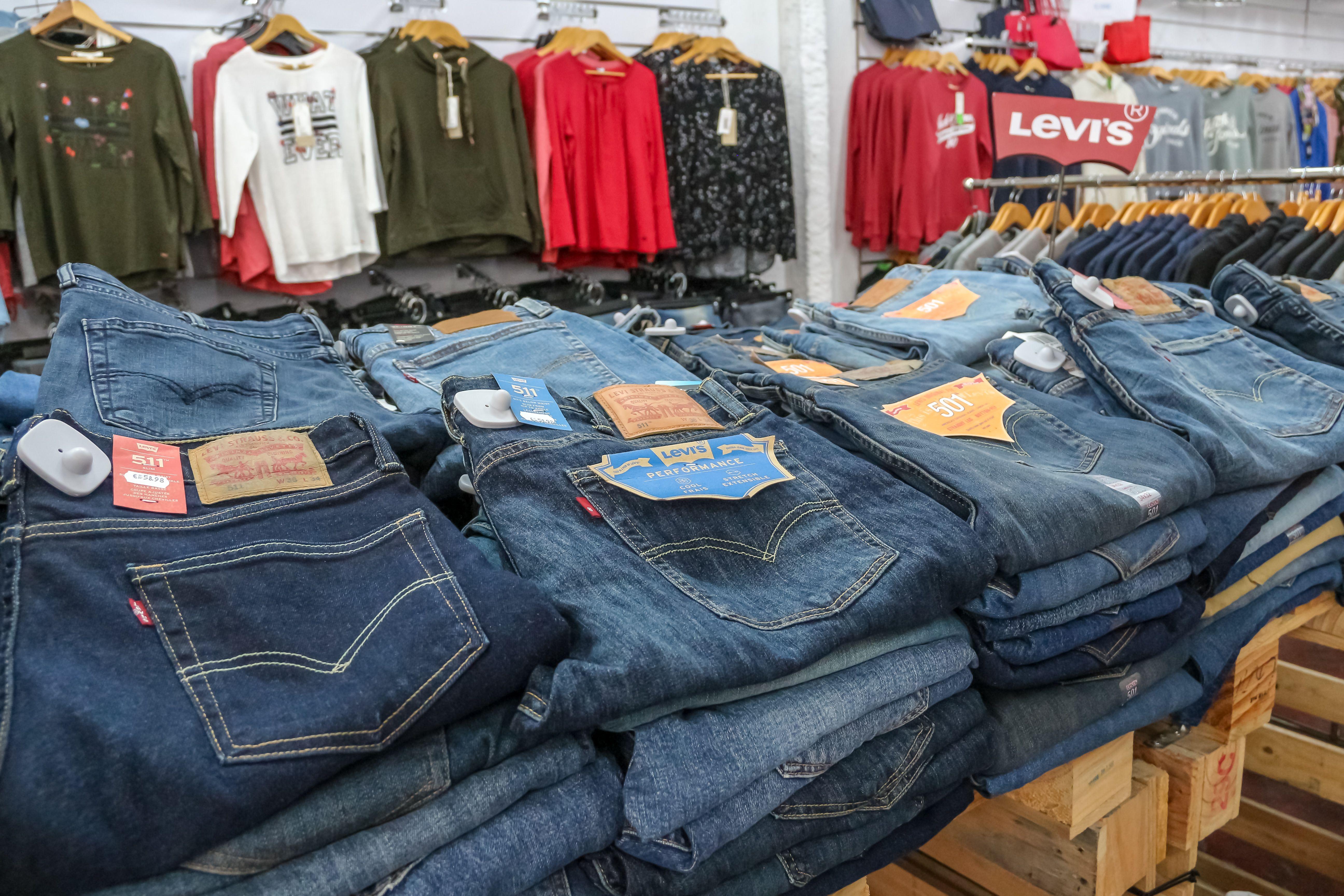 Pantalones de diferentes marcas
