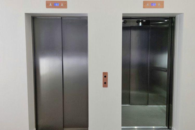 Puertas de ascensores instalados