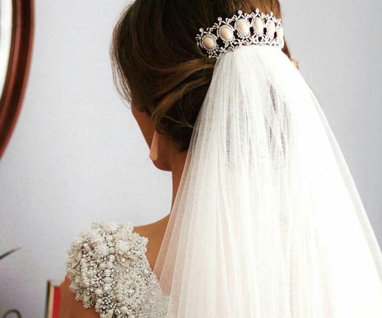 Velos y complementos de novia en Sevilla