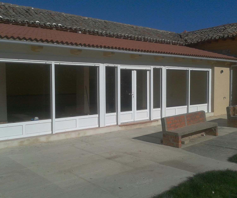 Fabricación a medida de puertas de aluminio en Palencia
