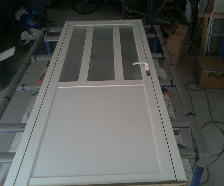Fabricación e instalación de puertas de PVC y aluminio en Palencia