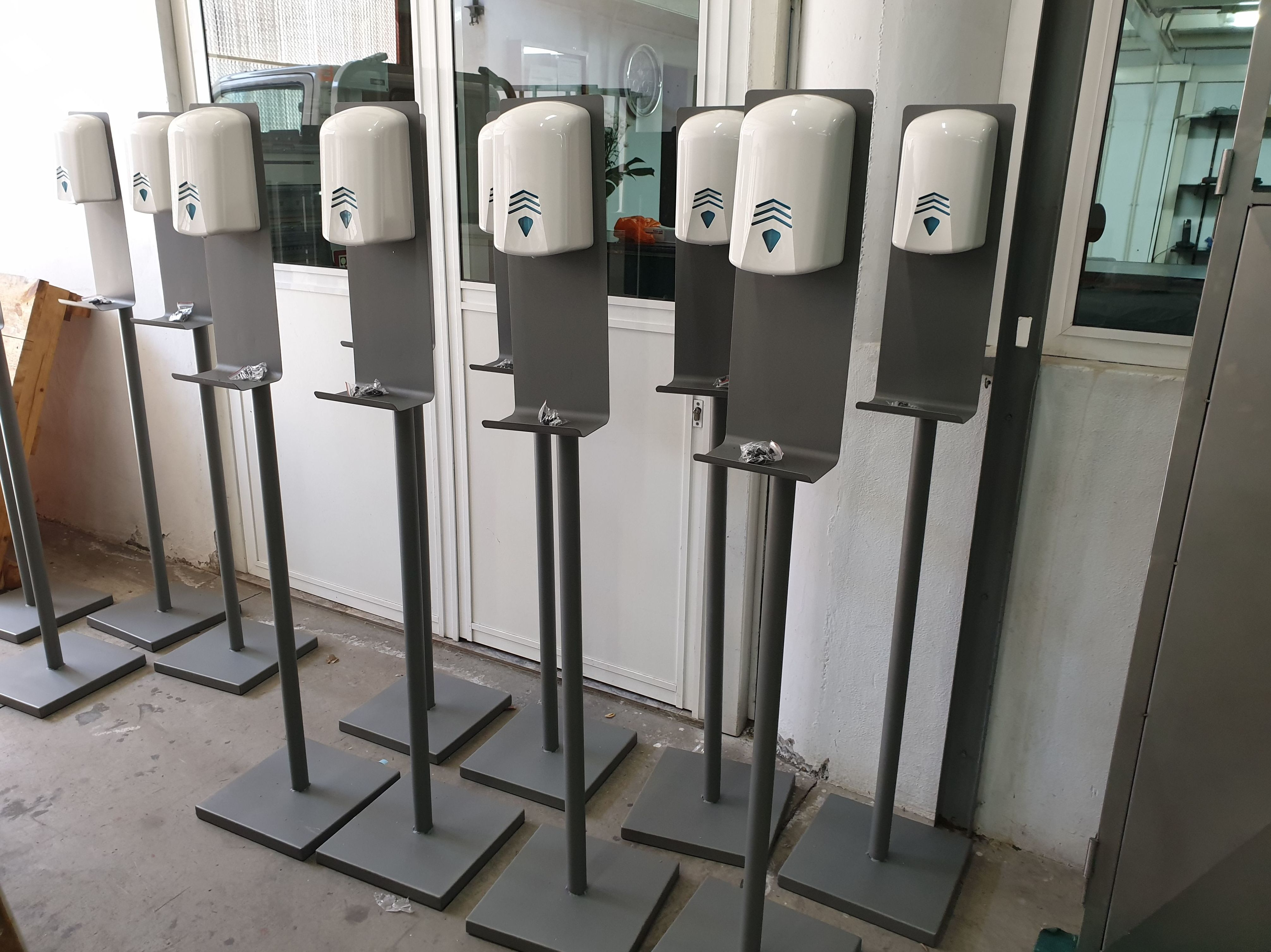 Bases para dispensadores de gel antibacterial