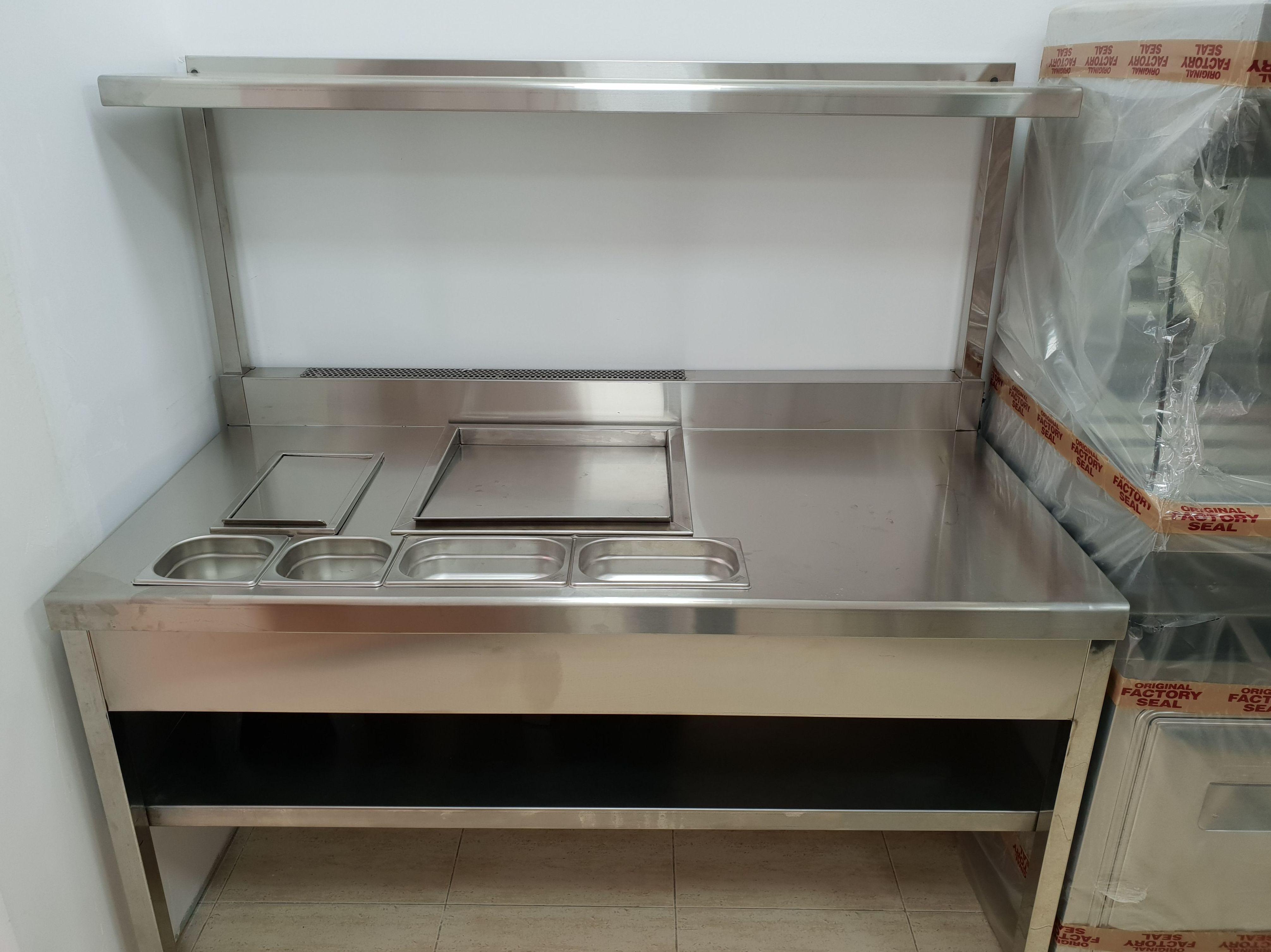 Mueble para preparar perritos calientes