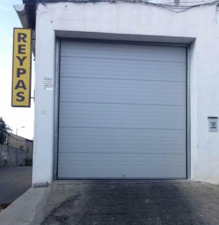Fábrica de persianas y puertas metálicas en Zaragoza