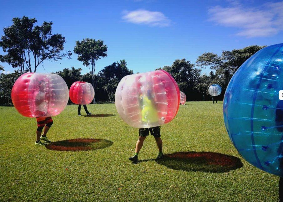 Bumper Balls: Servicios de Bernal Espectáculos