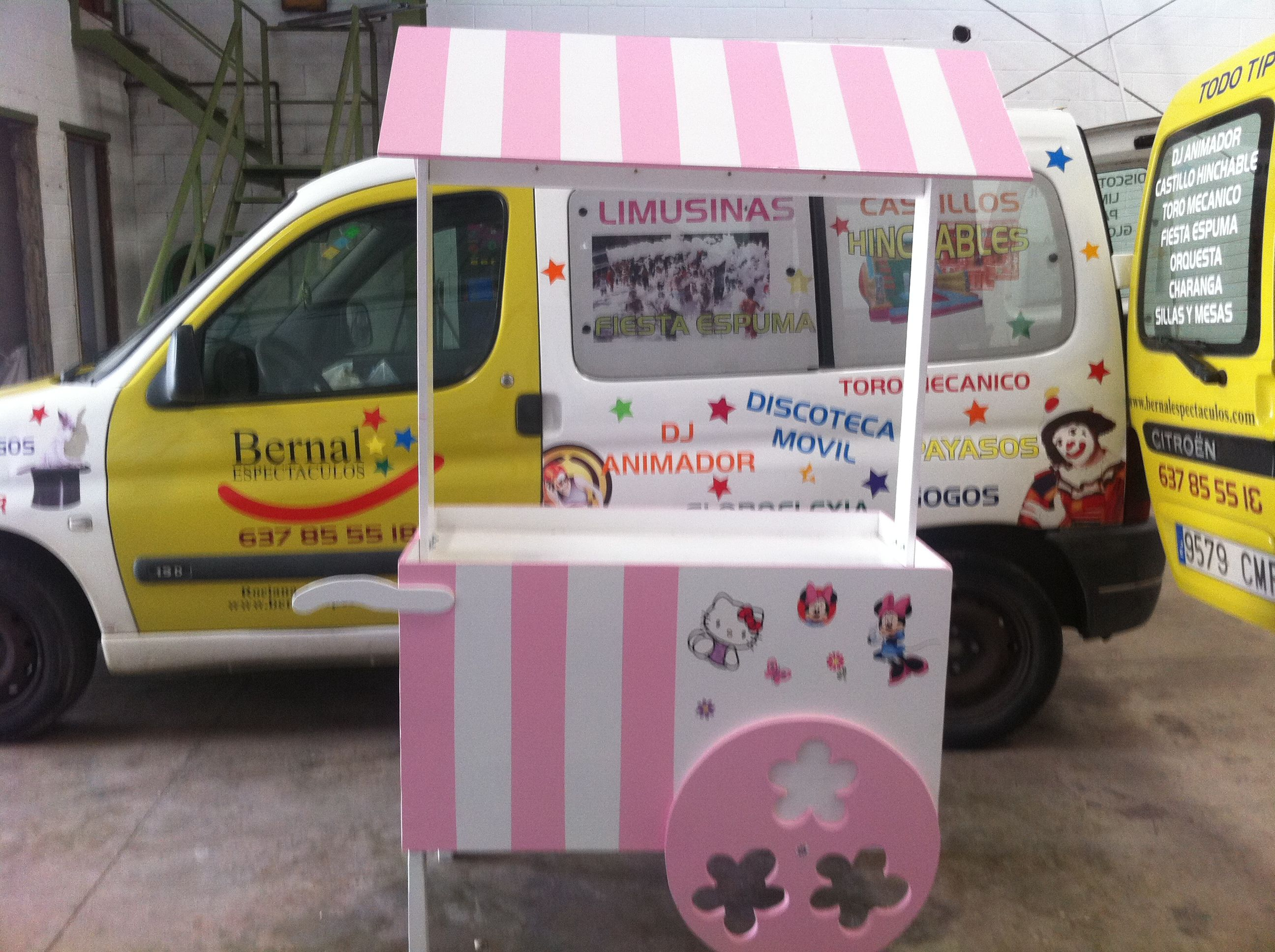 Servicio de alquiler de carrito de chuches en Huelva