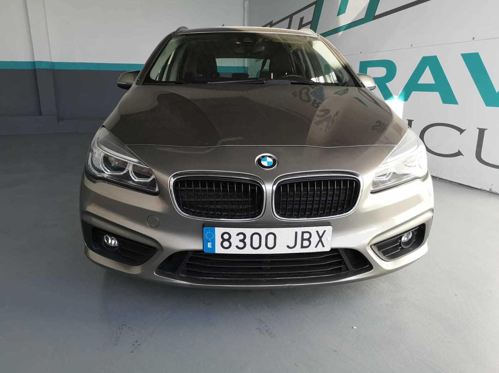 BMW Serie 2 218d Diesel de 5 Puertas: Servicios de Iscauto