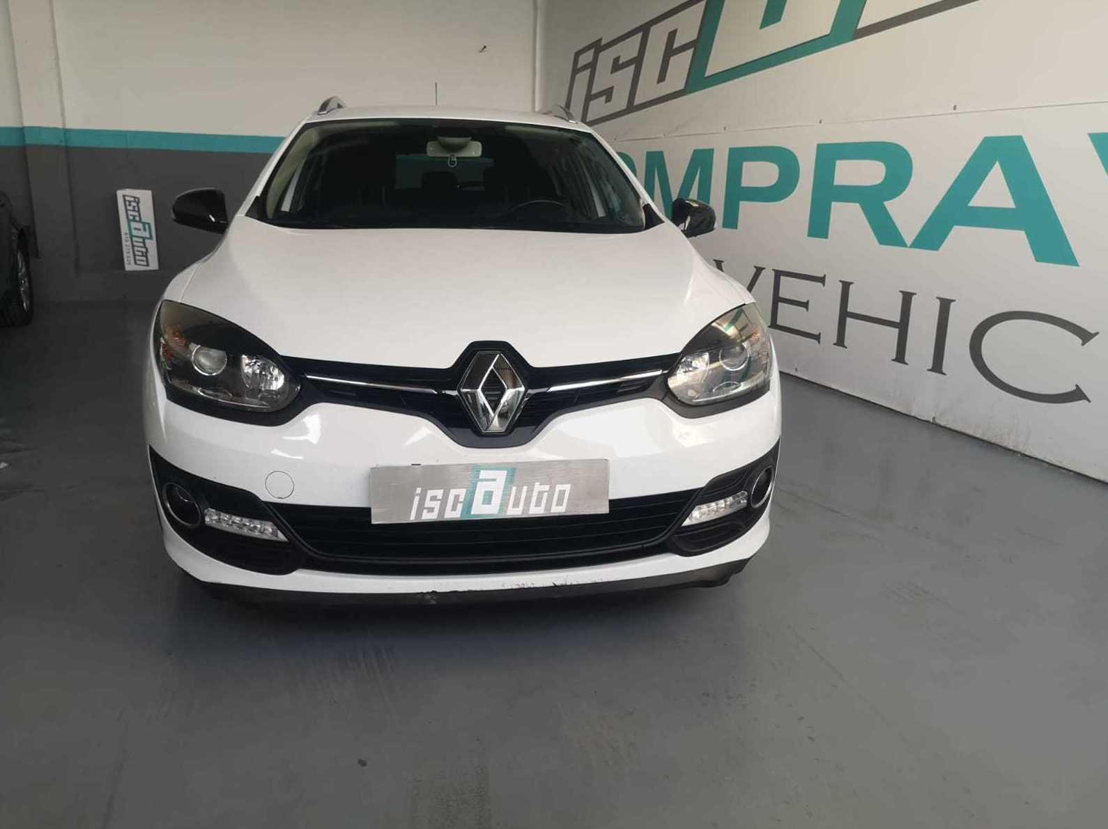 Renault MEGANE LIMITED: Servicios de Iscauto
