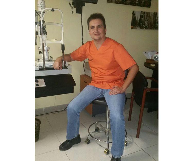 Dr. Ricardo Herrera