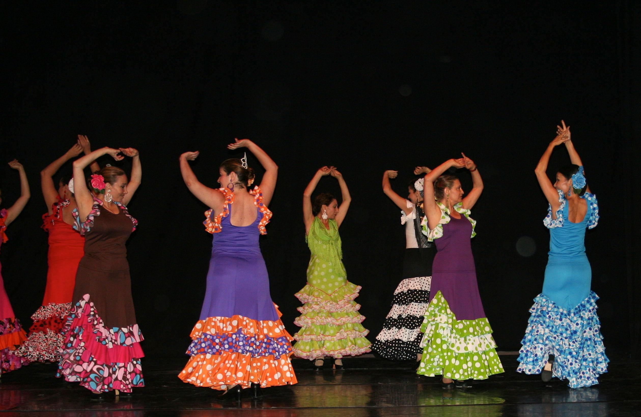 Diviértete aprendiendo a bailar Sevillanas