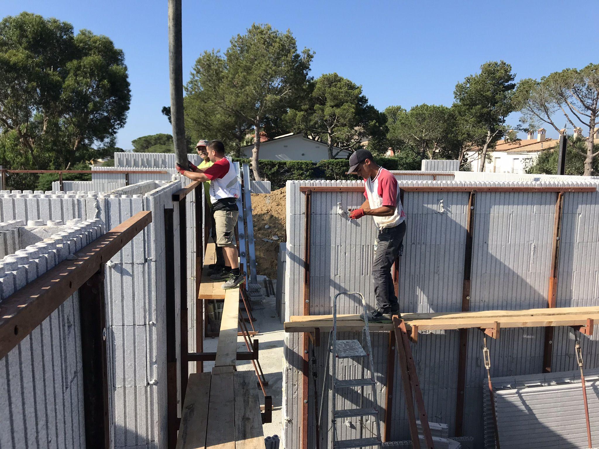 Construcción de chalets y viviendas unifamiliares