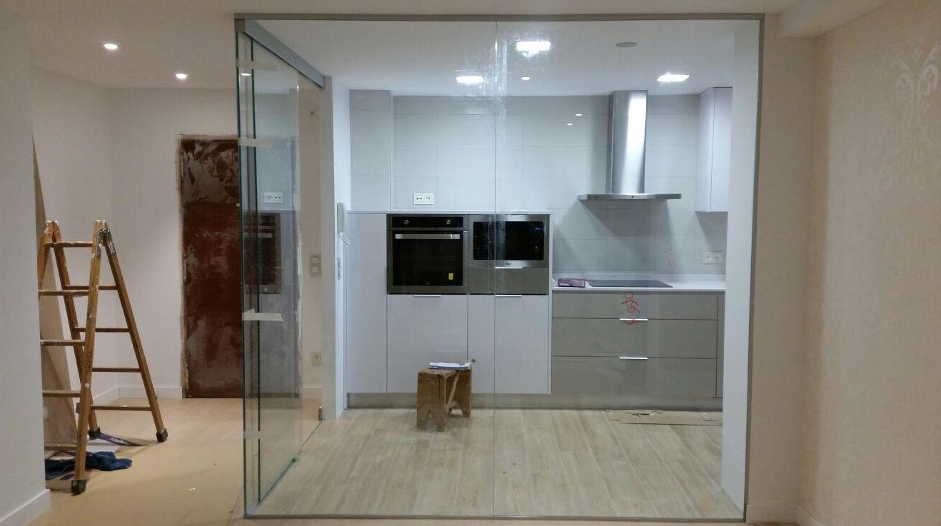 Cerramientos entre cocina y salón