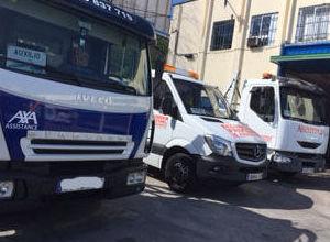 Servicio de grúa y asistencia en carretera 24 horas : Servicios de Carlos y Ana