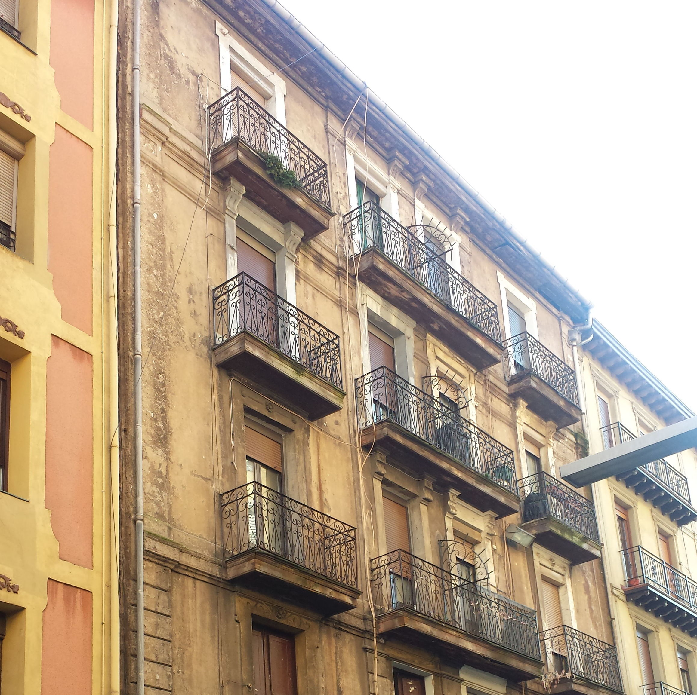 Jado 6 ERANDIO (fachada antes)