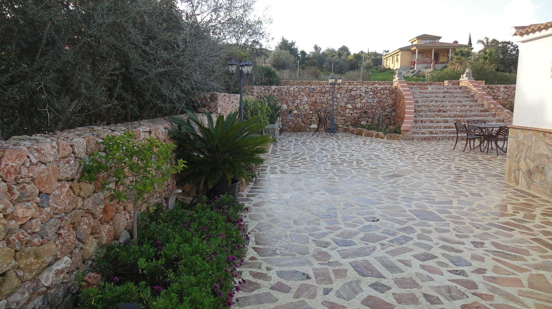 Rehabilitación de exteriores de chalé en Málaga