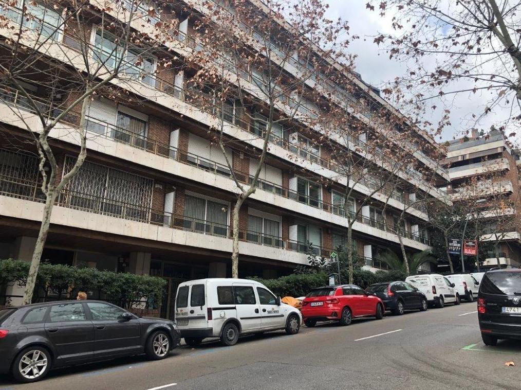 Gran Piso a reformar en Via augusta 900.000€: Visita nuestras inmuebles de Bertinsa Real Estate, Investments & Sale Services