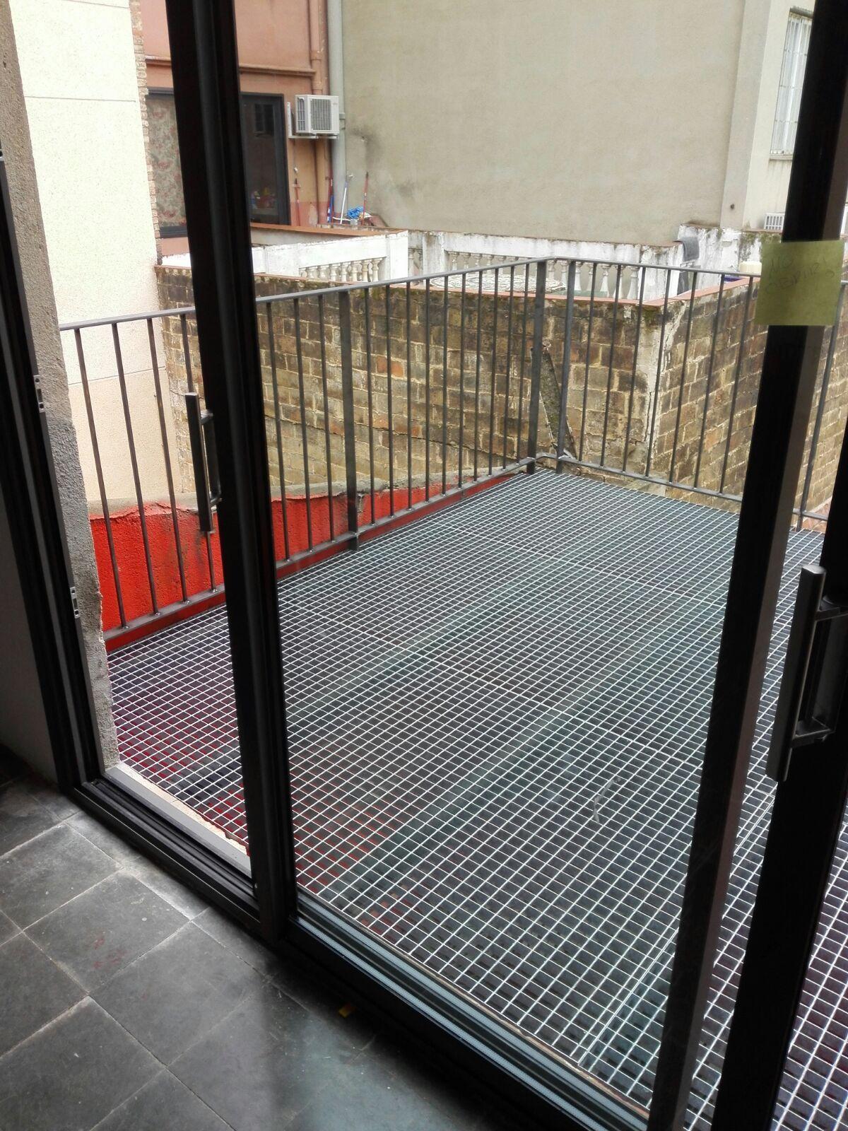 Foto 111 de Carpintería de aluminio, metálica y PVC en Terrassa | Tancaments Cusidó