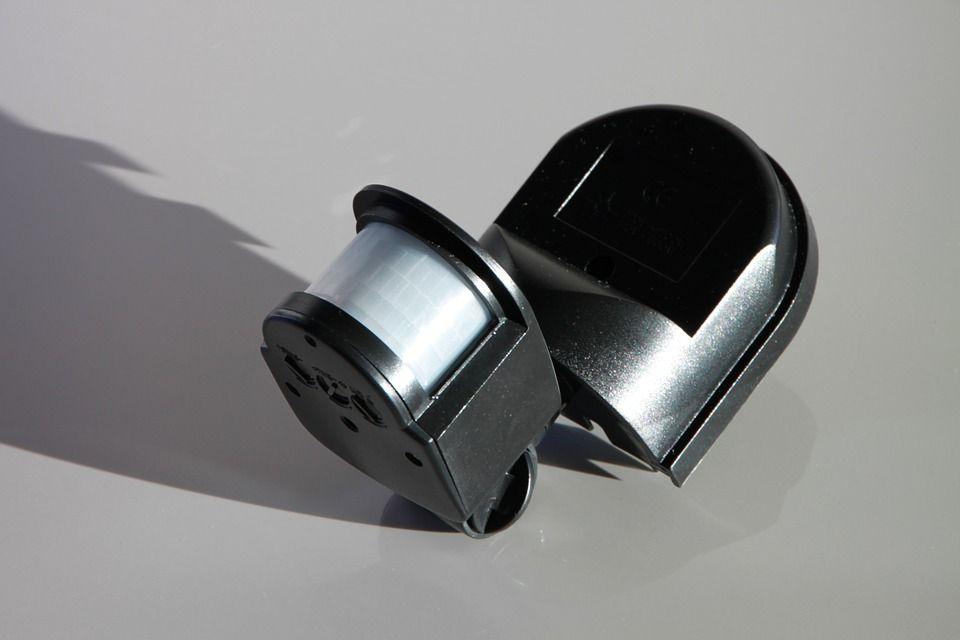 Detectores de movimiento interiores y exteriores