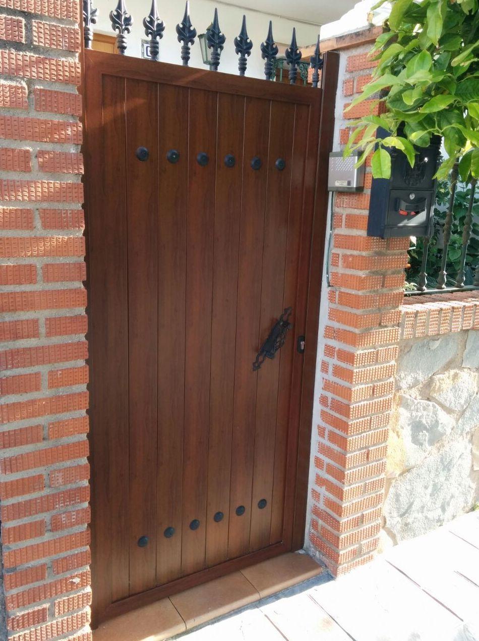 portones de entrada imitacion madera