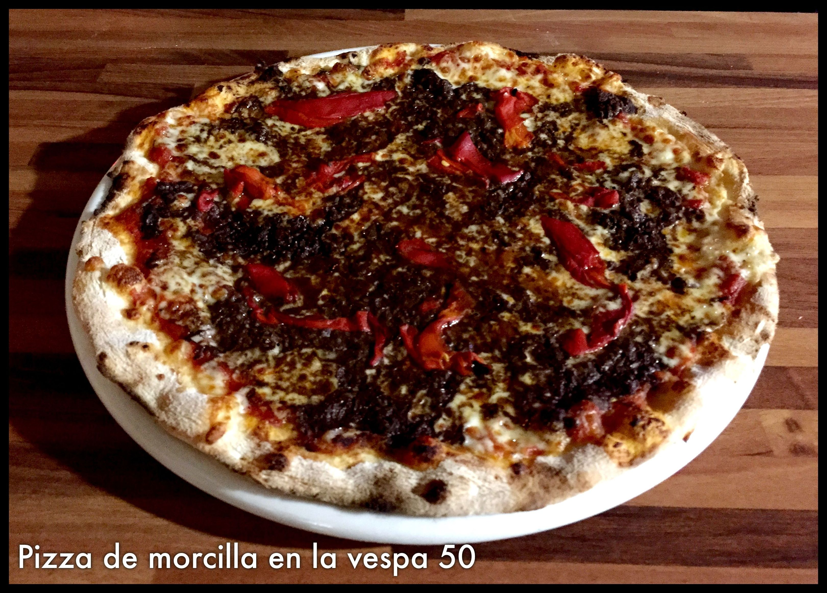 Pizza de morcilla Leonesa.
