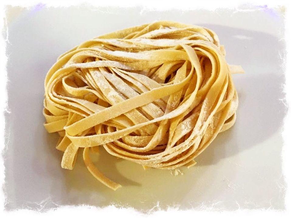 Nuestra pasta fresca ( TAGLITELLE )