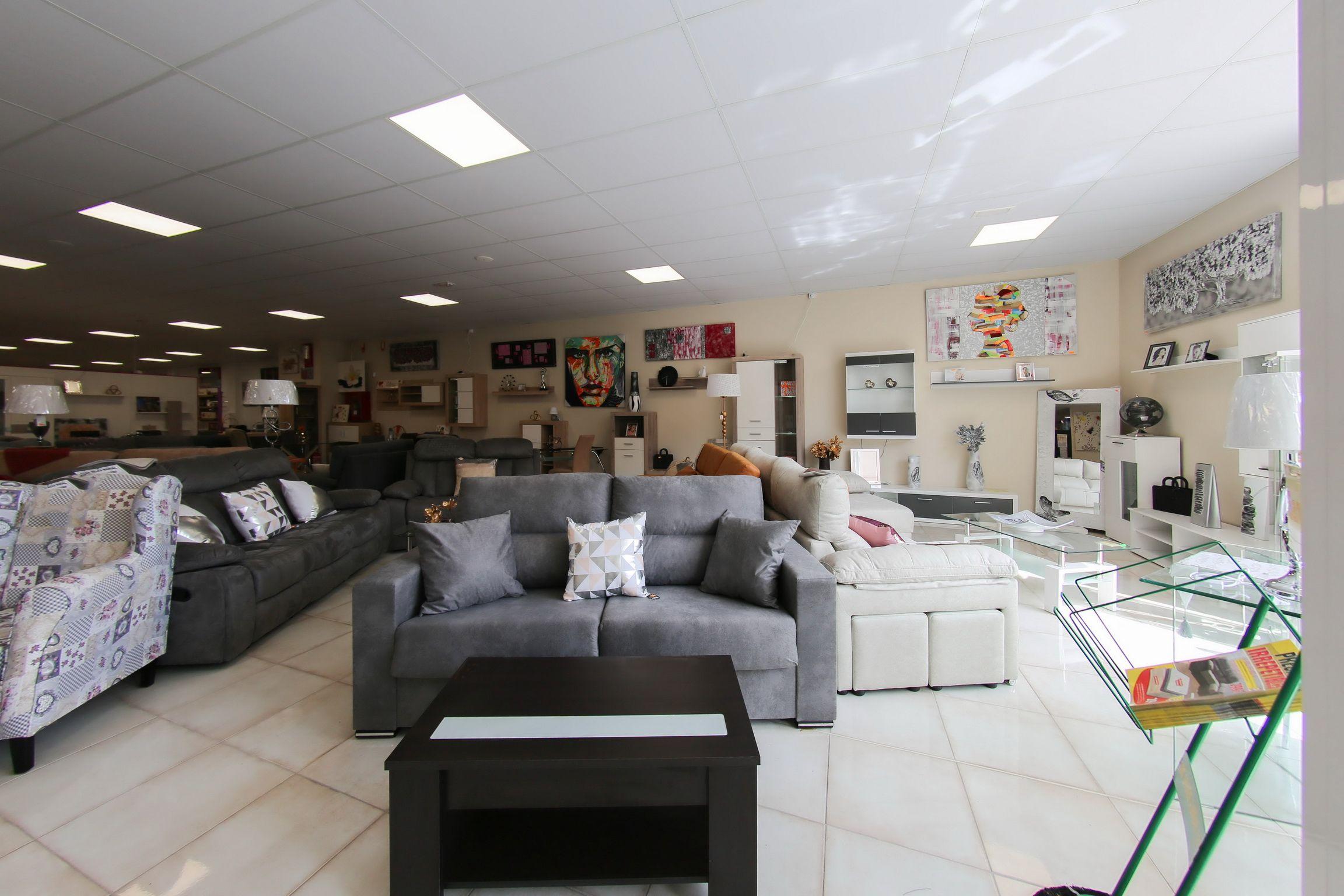 Exposición y venta de sofás en Lleida