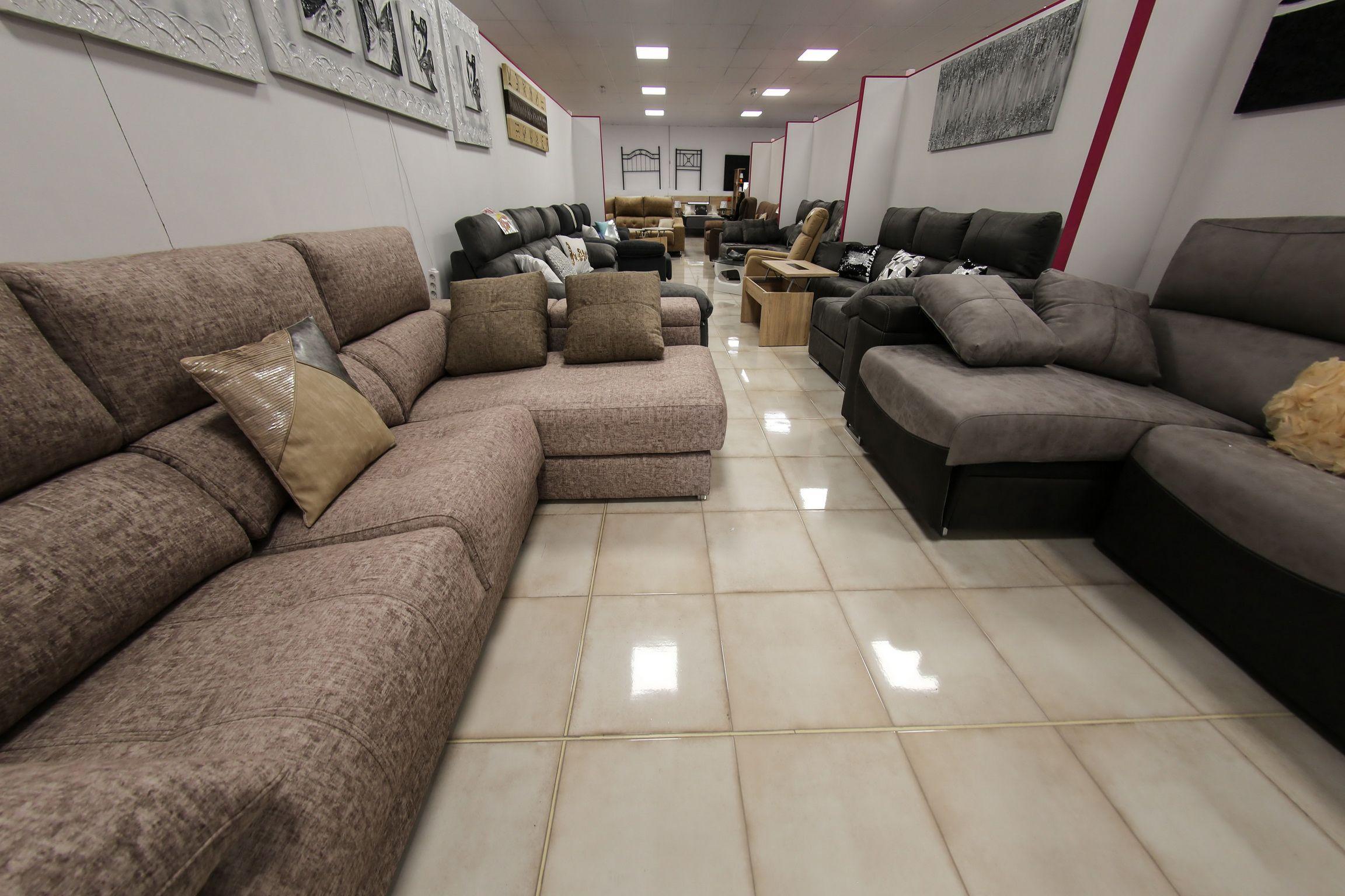 Exposición de sofás en Lleida