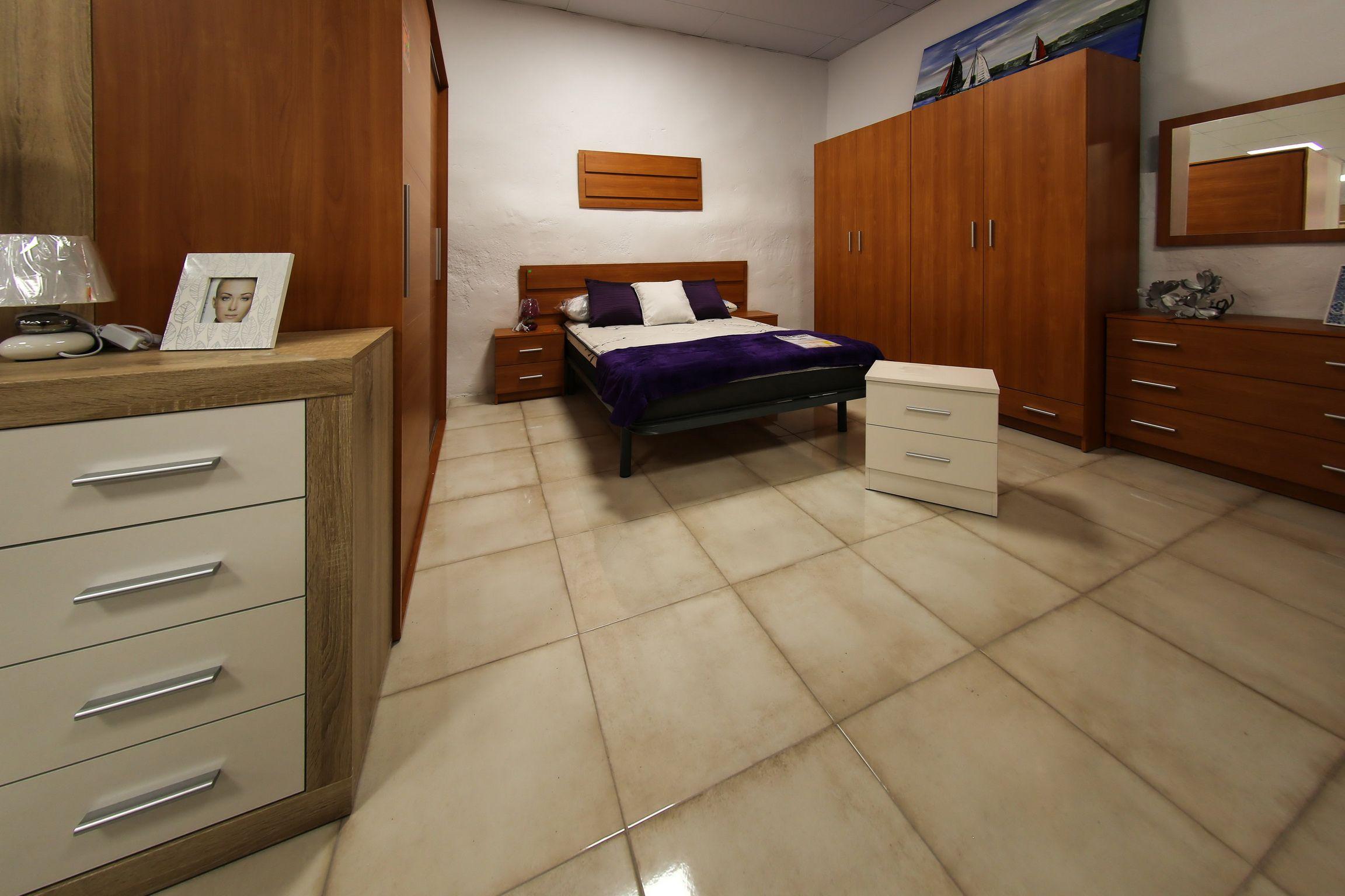 Venta de camas y armarios en Lleida