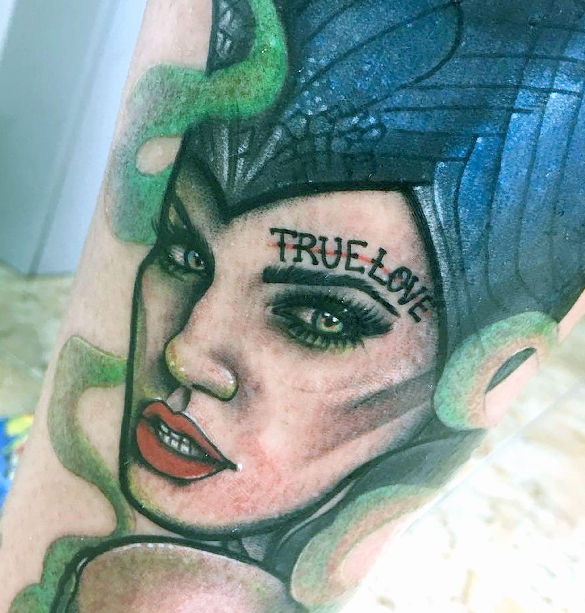 Foto 116 de Tatuajes en Cehegin | Skulls Lady Tattoo And Gallery