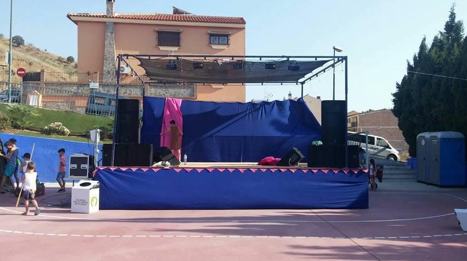 Instalación de escenario para fiestas